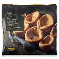 Specially Selected 6 Beef Dripping Large Yorkshire Puddings
